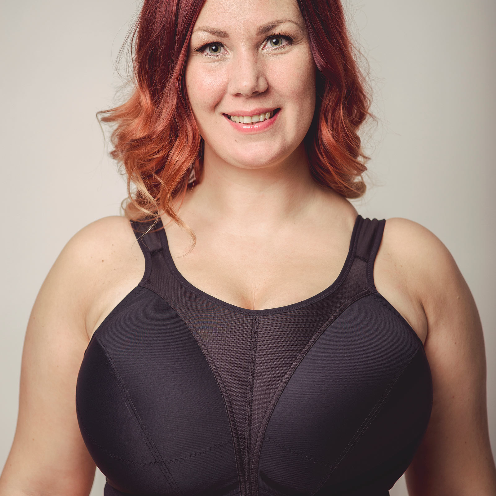 Sports Bras: Light, Medium & High Impact (35) Attack your workouts with confidence in a Nike sports bra. Featuring low, medium and high-impact fits along with a wide range of styles like adjustable and padded, women's sports bras are designed to meet the challenges .
