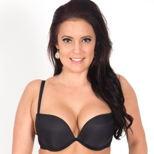 Wonderbra-Full-Effect-Black-Front